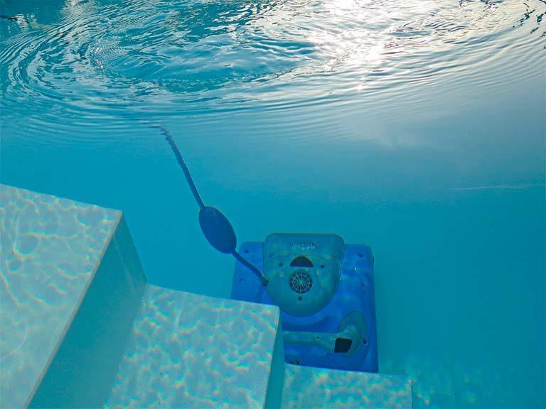 limpia fondos de piscina